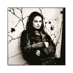 Anton Corbijn - Vanessa Paradis, London, 1992 Vanessa Paradis, Julian Lennon, Lady Antebellum, Zwart En Wit, Filmregisseur, Albumhoezen, Afbeeldingen, Actrices, Zwart En Wit