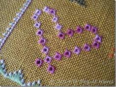 Resultado de imagen para almohadones de arpillera bordados