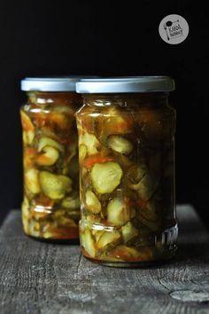 Kardamonovy: Ogórki z chili i czosnkiem Chili, Polish Recipes, Polish Food, Meals For Two, Preserves, Pickles, Cucumber, Garlic, Salads