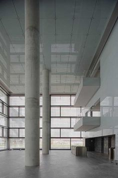Rafael De La-Hoz || Distrito C, Sede Central de Telefónica (Madrid, España) || 2004