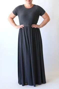 Great tutorial for how to sew this beautiful tee shirt maxi dress for women using a free tee shirt pattern. Easy sewing tutorial.