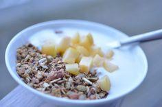 Frokost Muesli, Granola, Acai Bowl, Oatmeal, Breakfast, Food, Acai Berry Bowl, The Oatmeal, Morning Coffee