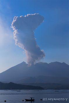 Sakurajima, Japan by Miyamoto Yoshihisa