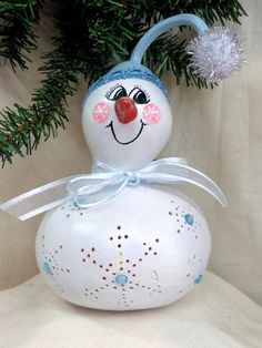 Hand painted, small bottle gourd snowman with battery operated tea light by Debbie Easley on Etsy  #paintedgourd#lighted gourd