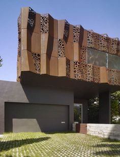 wrapped in a folded cor ten steel curtain the walnut residence 39 s unforgettable exterior creates. Black Bedroom Furniture Sets. Home Design Ideas