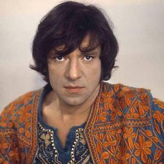 Ramses Shaffy A Dutch singer and actor, the heavy drinker died of esophageal cancer on December 1, 2009.