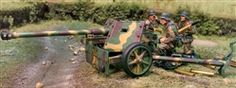 Collectors Showcase CS00563 German PaK40 75mm Anti-Tank Gun with Three Crewman - Summer Camouflage (1:30 Scale)