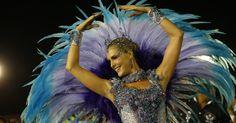 """Ana Hickmann usa vestido azul, como de uma bailarina, no desfile da Vai-Vai, que homenageia Elis Regina com o tema """"Simplesmente Elis. A Fábula de uma Voz na Transversal do Tempo"""""""