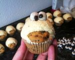 Cookie Monster Cuppies in light yellow  | Veri's Fairy Cakes