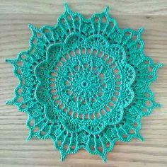 Mathilde pattern by Grace Fearon Crochet Tablecloth Pattern, Crochet Mandala Pattern, Crochet Circles, Crochet Flower Patterns, Crochet Flowers, Knitting Patterns, Crochet Mat, Crochet Dollies, Thread Crochet