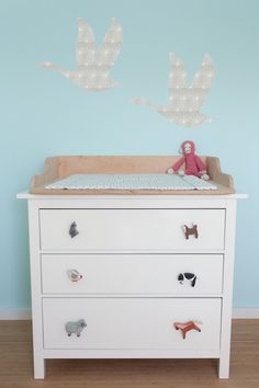 mobile, sterne & nilpferde aus tapete, #rehkitz #lila #rosa #stern ... - Kinderzimmer Deko Sterne