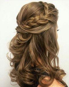 Braided half up half down hairstyle #halfuphalfdown #hairstyles #braids