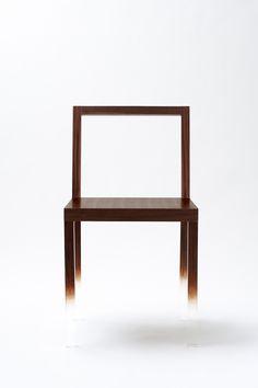 Fade out Chair - japanese design by NENDO Japan Design, Shop Interior Design, Luxury Interior, Floating Chair, Design Japonais, Modern Furniture, Furniture Design, Art Furniture, Non Plus Ultra