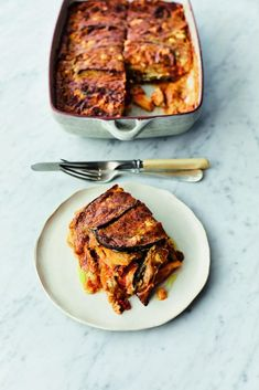 This vegetarian moussaka recipe from Jamie Oliver is perfect for weekends. Serve with a lemony salad. It& also a gluten-free recipe, so great for a crowd. Tasty Vegetarian Recipes, Veg Recipes, Gluten Free Recipes, Healthy Recipes, Moussaka Recipe Vegetarian, Potato Recipes, Salad Recipes, Healthy Food, Dinner Recipes