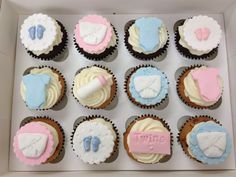 baby shower cupcakes - twins