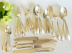 36 Pieces Antique Oneida Silverplate Flatware 1914 Patrician for 4 Plus Extras