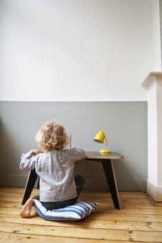 Mooi die muur! #jongenskamer | By spielplatz plywood table | Saar Manche