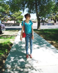 Outdoor outfit // Xhiliration blouse, Aeropostal jeans, F21 earrings, Guess sunglasses, Aldo watch