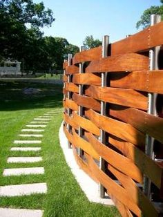 Splendid Wooden fence posts,Garden fence high and Modern fence online. Front Yard Fence, Diy Fence, Backyard Fences, Fenced In Yard, Backyard Landscaping, Garden Fencing, Garden Beds, Fence Gate, Fence Panels