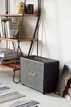 Marshall Woburn Speaker - Urban Outfitters