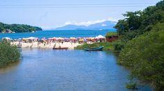 Praia de São Gonçalo em Paraty é muito frequentada na alta temporada