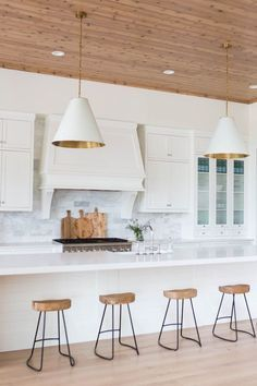 The Captivating Gold Kitchen Island Lighting Kitchen Lighting Kitchen Island Lighting Transitional Kitchen is one of pictures of lighting ideas for your ho 11765 New Kitchen, Kitchen Decor, Kitchen Wood, Kitchen Ideas, Kitchen Industrial, Kitchen Stools, Kitchen Layout, Kitchen Styling, Kitchen Inspiration