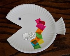 {Simple paper plate fish} The tail is the cut piece form the mouth! #Ocean #UnderTheSea #CampSunnyPatch