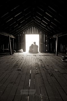I love all things country...this barn is great and the light is stunning. must.find.barn.