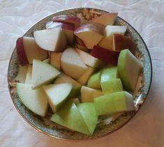 Salada de maçã verde e maçã vermelha.