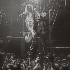 Chester and Mike of LINKIN PARK. epic phtograph.