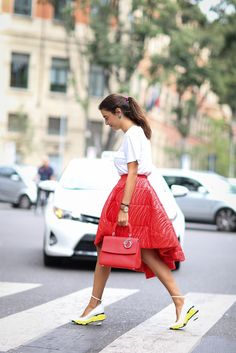 How to dress like an Italian girl — 50+ lessons worth knowing