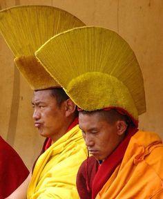 Moines durant le cérémonie Glukpa. Tibetains.