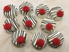 This listing is for one dozen (12) chocolate covered Oreos that are individually wrapped in cello bags and tied with fabric ribbon. Can change color scheme- message me. Our chocolate covered Oreos are the original Oreo flavor. IN NOTES TO SELLER: - You MUST leave your event date - A