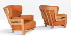ROBERT GUILLERME (1913-1990) & JACQUES CHAMBRON (1914 - 2001) Paire de fauteuils Denis. Chêne, drap de laine. 76 x 86 x 90 cm. Votre Maison, circa 1965