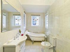 Classic bathroom design with claw foot bath using ceramic - Bathroom Photo 523469 Bath Window, Bathroom Windows, Laundry In Bathroom, Bathroom Renos, Bad Inspiration, Bathroom Inspiration, Bathroom Photos, Bathroom Ideas, Claw Foot Bath