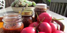 Traditional Tamarillo Chutney recipe from A Day Pear Recipes, Fruit Recipes, Whole Food Recipes, Chutney Recipes, Sauce Recipes, Tomato Jelly, Tomatillo Recipes, Tomato Tree, Canning Food Preservation