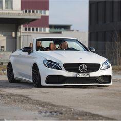 "2,015 curtidas, 4 comentários - ArabGarage Cars | Lifestyle (@arabgarage) no Instagram: ""Good morning / اصبحنا واصبح الملك لله - Photo by: @srs_swissrichstreets #mercedes #amg"""