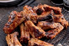 Grill Oven, Ribs On Grill, Ipa, Chicken Wings, Barbecue, Catering, Bacon, Grilling, Pork