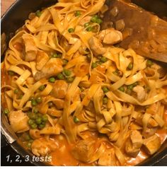Facon, Pasta, Ethnic Recipes, Blog, Fresh Pasta, Tomato Paste, Chicken Breasts, Tagliatelle, Snap Peas