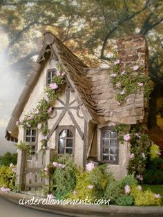 Cinderella Moments: Miss Read's English Cottage. Or could it be a Fairy House? Cottage Shabby Chic, Cute Cottage, Cottage Style, Little Cottages, Cabins And Cottages, Little Houses, Small Cottages, Country Cottages, Storybook Homes
