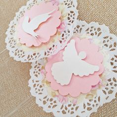 1 million+ Stunning Free Images to Use Anywhere Communion Centerpieces, First Communion Decorations, First Communion Party, First Communion Dresses, Christmas Gift Decorations, Christmas Crafts, Paper Doily Crafts, Doilies Crafts, Paper Crafts Origami