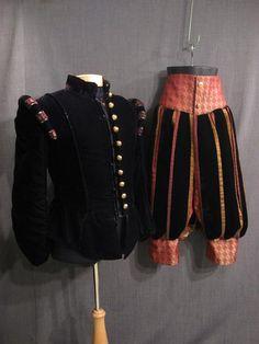 09000576 09006017 Suit Renaissance black velvet C36 W35.JPG