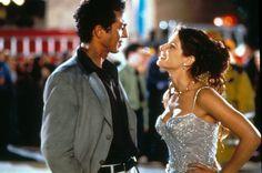 Benjamin Bratt (as Eric Matthews) and Sandra Bullock (as Gracie Hart) in Miss Congeniality (2000)