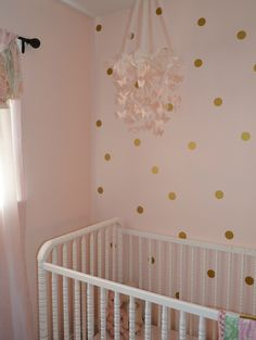 Simple Dots Wall Decal - Trading Phrases