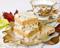 Pumpkin Streusel Cheesecake Bars - a combination of pumpkin pie and cheesecake. Just the kind of food for the season! Gluten free and traditional recipes.