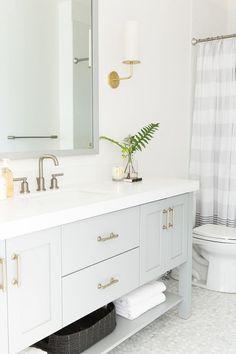 Grey & white bathroom!