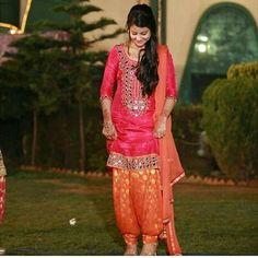 Pic in @mandeep.jhinjer 💙💚💛💜❤️💙💚💛💜❤️ Punjabanz 🔘 Only Punjabi Suits 🔘…