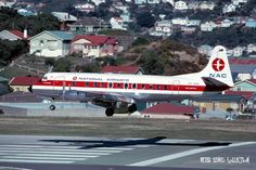 NAC National Airways Corporation of New Zealand Vickers Viscount landing at Wellington. Australian Airlines, Passenger Aircraft, Air New Zealand, Commercial Aircraft, Civil Aviation, World Pictures, South Pacific, Viscount, Air Lines