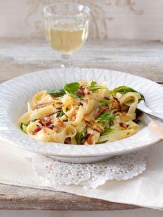 Pasta mit Vanille-Carbonara und Feldsalat