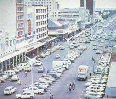 Bulawayo was known for its wide streets - check this out! Best Memories, Childhood Memories, 11th Century, Zimbabwe, Homeland, Continents, Family History, Old Photos, South Africa